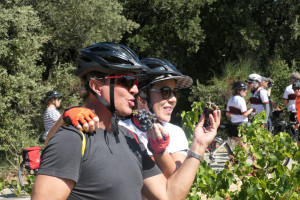 Ricardo and Marina, stealing grapes